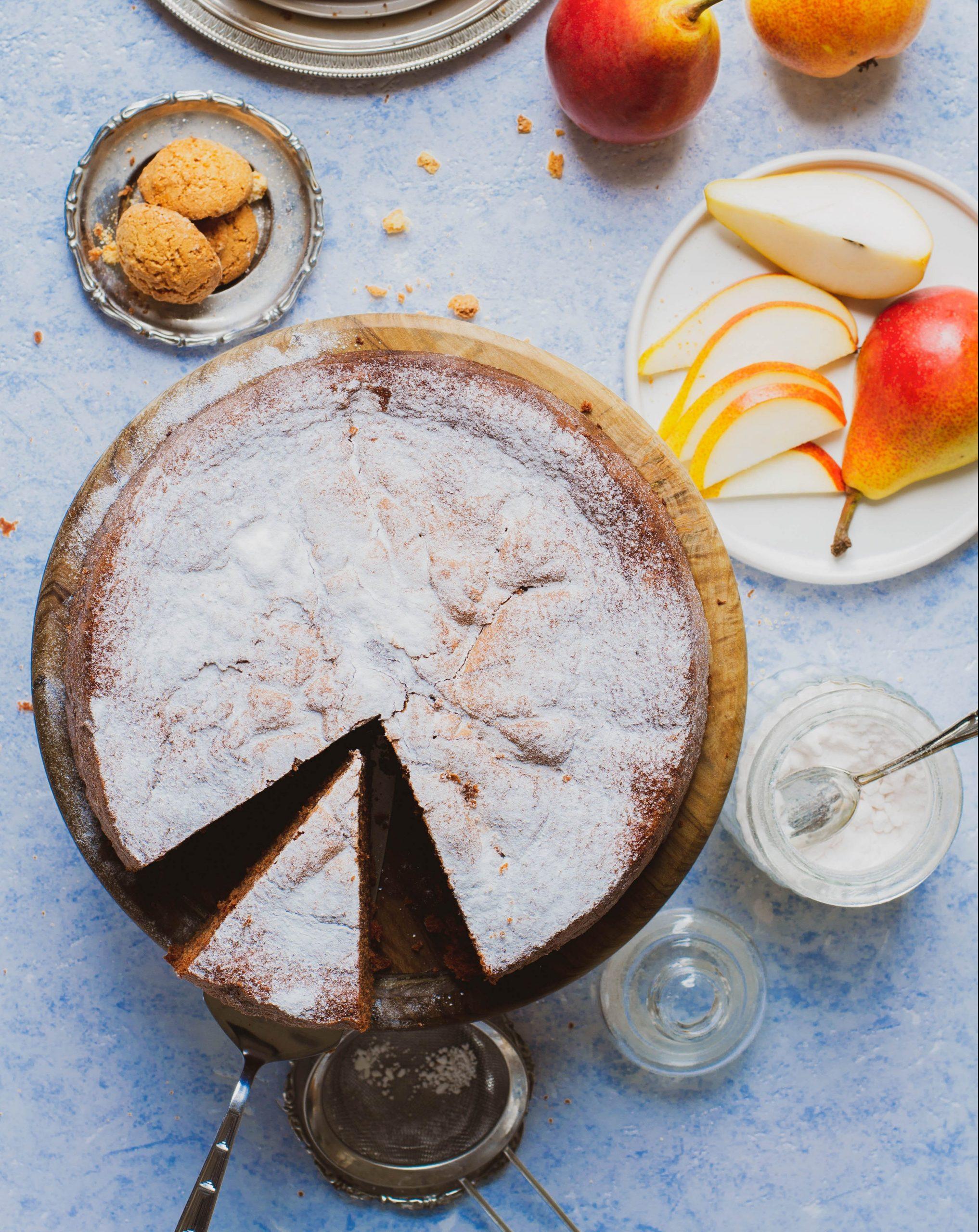 Amaretti and pears chocolate cake